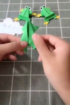 Origami for Everyone – From Beginner to Advanced – DIY Fan Paper Crafts For Kids, Diy Home Crafts, Diy Arts And Crafts, Creative Crafts, Diy For Kids, Fun Crafts, Amazing Crafts, Spy Kids, Creative Ideas