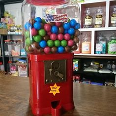 Pop in and give our new jawbresker dispenser a go.... http://ift.tt/2oBecju #sweets #candy #sweeetshop #candystore #taunton #somerset #gifts #chocolate #retro #vintage #oldfashioned #sour #fizzy #bubblegum #christmas #xmas