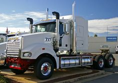 mack trucks | Mack Trucks
