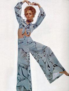 Twiggy by Justin de Villeneuve Vogue Italia 1969 vintage fashion style 60s 70s blue grey floral print pant suit tie front top wide leg hip hugger outfit suit sheer black supermodel color photo ad