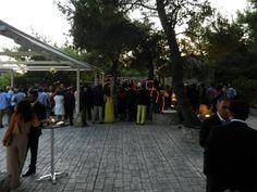 Στιγμιότυπο από τον γάμο στο εκκλησάκι του χώρου Φαιστός στο κτήμα Αριάδνη
