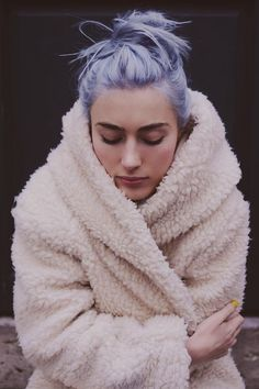 ElsaMuse: Blue Hair