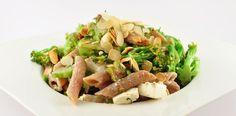 Spelt pasta met broccoli en amandelen