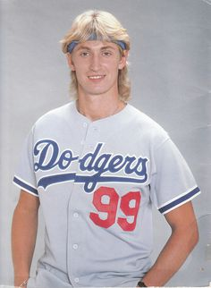 Wayne Gretzky in a Dodgers uniform. Dodgers Uniforms 85de0b48a