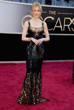 Nicole Kidman lleva un  L'Wren Scott full brillo, con accesorios dorados