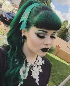 Peinado Pin Up Gótica  #gothabilly #pinup #psychobilly #fashion #hairstyle #gothgirl