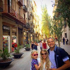 Conhecendo Barcelona - Uma Cidade Fascinante - Barcelona tem 2.000 anos - muita história aqui - Glória Deus por Estarmos com os Irmãos de Barcelona.