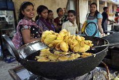 chawribazar #bhajji #Street #Food #India #ekPlate #ekplatebhajji