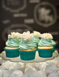 wedding cakes teal Wedding Cakes With Cupcakes Turquoise 54 New Ideas Flowers Cupcakes, Green Cupcakes, Gold Cupcakes, Green Cake, Wedding Cakes With Cupcakes, Cool Wedding Cakes, Yummy Cupcakes, Wedding Desserts, Turquoise Cupcakes