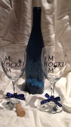 Wine Glass for Hockey Mom by EtcherGirlsExpanded on Etsy, $8.00
