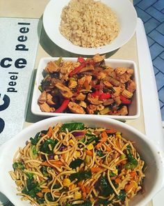 Definitely feel like I've got my mojo back!!! 👌🏼 Cooked up a Chinese feast for us tonight, vegetable chow mein, chicken & mushrooms (using the amazing recipe from @pinchofnom) along with fried rice! 100% SYN FREE and loads of speed! Divine. #slimmingworld #slimmingworlduk #swideas #swuk #slimmingworldfood #slimmingworldrecipes #slimmingworldfooddiary #swmeals #slimmingworldjourney #slimmingworldinspiration #slimmingworldfollowers #slimmingworldsupport #slimmingworldfamily…