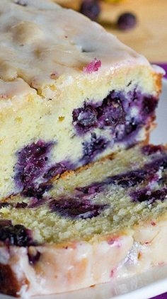 Lemon Blueberry Bread | https://www.ericasweettooth.com/2012/05/lemon-blueberry-bread.html