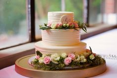 Cake Flowers Provided by May Flowers | Cake and Decor by Chattacakes | photo by Sarah Renee Photography