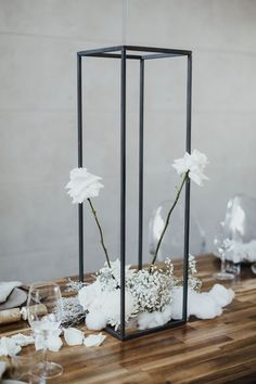 Floral Centerpieces, Wedding Centerpieces, Wedding Table, Wedding Decorations, Table Decorations, Wedding Chuppah, Centrepieces, Flower Arrangements, Wedding Trends