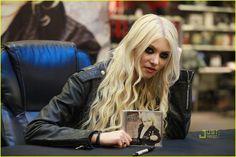 taylor momsen cd signing bestbuy  | Taylor Momsen: CD Signing in New York City! | Taylor Momsen, The ...