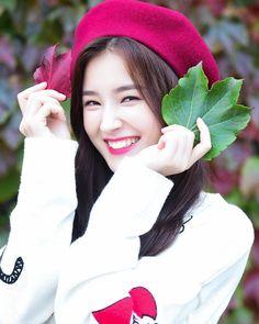 Transform Your Looks With This Advice Korean Beauty Girls, Beauty Full Girl, Korean Girl, Asian Girl, Nancy Momoland, Nancy Jewel Mcdonie, Cute Girl Poses, Cute Girls, Kpop Girl Groups