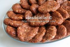 Sucuk Köfte Easy Cake Recipes, Meat Recipes, Asian Recipes, Dessert Recipes, No Gluten Diet, Sausage Meatballs, Turkish Kitchen, Bbq, Turkish Recipes