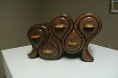 Playful Walnut Jewelry Box. 8H x 12W x 5.25D por robertalbers
