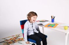 Das Set aus Kinderstuhl und -tisch macht Kindern Freude