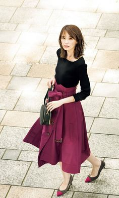 Women S Fashion Sneakers Cheap Pencil Skirt Casual, Pencil Skirt Outfits, Pencil Skirts, Pencil Dresses, Blazer Fashion, Skirt Fashion, Fashion Dresses, Women's Fashion, Office Fashion