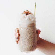 spiced chai smoothie with coconut crushed ice