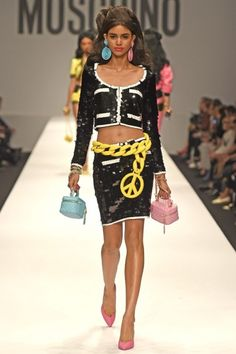 LOOK | 2015 SS MILAN COLLECTION | MOSCHINO | COLLECTION | WWD JAPAN.COM