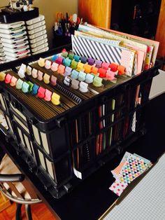 Organize paper scraps - Samantha Hampton Use for file folder crate Craft Room Decor, Craft Room Storage, Paper Storage, Craft Rooms, Storage Ideas, Craft Organisation, Paper Organization, Classroom Organization, Scrapbook Storage