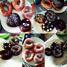 graffe, bomboloni e donuts home made, con latte delattosato. .... giusto una cosetta cosí :)