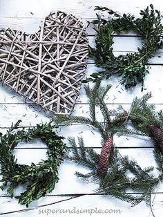We love the seasons: Christmas mood I. Christmas Mood, Christmas Wreaths, Our Love, Seasons, Holiday Decor, Home Decor, Decoration Home, Room Decor, Seasons Of The Year