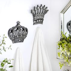 Embrace your royal side with our His & Her Crown Silver Jeweled Wall Plaques. With clear acrylic jewels and an antique silver-finished surface, it's a unique addition to your wall decor!