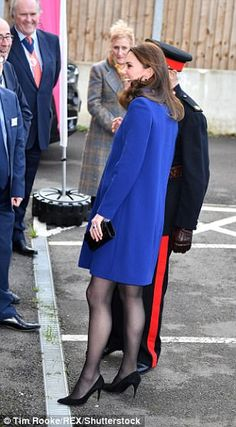 Kate, who is seven months pregnant, arrived in Wickford on Wednesday afternoon to officially open the new centre built by Action on Addiction, of which she has been patron since Kate And Pippa, Kate And Meghan, Kate Middleton Legs, Princesse Kate Middleton, Pantyhosed Legs, Emma Willis, Prince William And Catherine, Royal Dresses, Royal Fashion