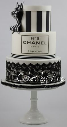 Chanel Cake                                                       …