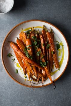 Harissa Roasted Carrots with Yogurt, Lemon, and Mint — Flourishing Foodie Vegetarian Recipes, Cooking Recipes, Healthy Recipes, Colorful Vegetables, Veggies, Eat Pretty, Carrot Recipes, Roasted Carrots, Vegetable Side Dishes