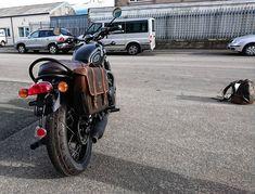 Retro saddlebag fitted on a Bonneville T120.