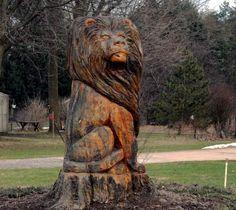 Lion  Tree Wood Carvings
