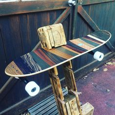 Skateboard styles here is how to put on the trend. Longboard Decks, Longboard Design, Skateboard Design, Skateboard Rack, Skateboard Girl, Skateboard Furniture, Cruiser Skateboards, Cool Skateboards, Skates