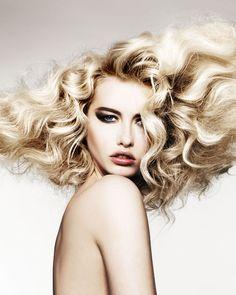 Blonde-Bombshell-Hair-Get-the-Look.jpg (600×750)