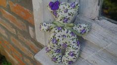 Ursinha inspirada nas Tildas em tecido