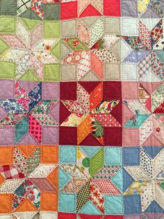 Vintage Stars pattern by Sandra Boyle - classes offered by Sandra at Cutting Cloth store in Melbourne. May not be actually EPP but I think this one is pieced by hand with another method. Would work well as an epp. Star Quilt Blocks, Star Quilt Patterns, Lone Star Quilt, Star Quilts, Scrappy Quilts, Doll Patterns, Old Quilts, Antique Quilts, Vintage Quilts