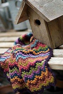 vintage crochet baby blanket. lover-lee.