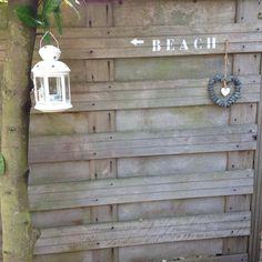 Tuin wordt langzaam omgetoverd in een lounge tuin, beachstyle.