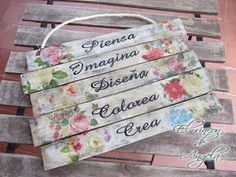 Cómo hacer un cartel con tablas de madera, decoupage y transferencia de imágenes | Manualidades Popsicle Stick Crafts, Craft Stick Crafts, Wood Crafts, Easy Craft Projects, Easy Crafts, Projects To Try, Tole Painting, Painting On Wood, Decoupage Art