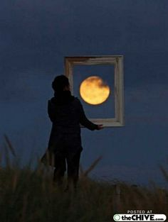hold-on-the-moon-trick-pics-12 by hongkiat_, via Flickr