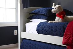 DIY trundle bed...@Jamie Lott, I have a set of bunk beds at mama's house...maybe we could do this????