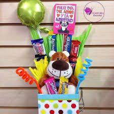 Resultado de imagen para anchetas de amor Candy Bouquet, Party Centerpieces, Ideas Para, Gift Wrapping, Mugs, The Originals, Birthday, Cards, Lily