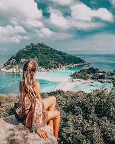 Theodora ❤❤  Blog blogger blogging photo photography professional tips bright colorful cheerful happy beautiful fashion outfit fits all shapes women girly cute idea trend earring accessories travel vacation adventure #photographytips #travelphotographyideas
