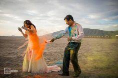 Trash the dress with Holi Powder / Sesión trash the dress con Polvos Holi
