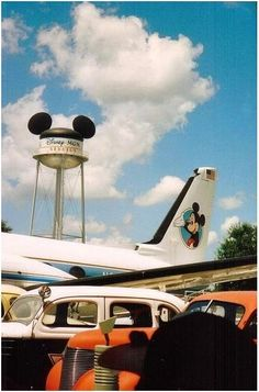 I think the water tower makes a better park icon for Disney Hollywood Studios. Disney World Planning, Disney World Trip, Disney Vacations, Disney Worlds, Disney Day, Disney Theme, Walt Disney Parks, Disneyland Parks, Disney Pictures