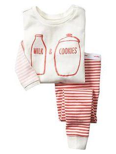 Milk & cookies sleep set   Gap