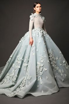 Crystal Evening Gowns Elie Saab 2017 Couture Beaded Prom Dresses 2017 A-Line See-through Blue V-Neck Long Formal Gown Long Evening Dresses Zuhair Murad 2017 Couture Elie Saab Dresses 2017 Prom Dresses, Formal Dresses, Pretty Quinceanera Dresses, Formal Prom, Beautiful Gowns, Beautiful Images, Elie Saab, Dream Dress, Couture Fashion